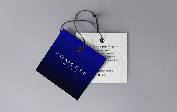 APOGEUM ADAM GEE logotyp etykieta